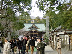 hatsumoude2004.jpg 240×180 17K